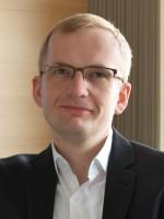 Dr. Robert Šuhada