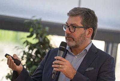 Přes 200 účastníků akce si mohlo poslechnout keynote Davida O'Hary, Lead Business Development Managera společnosti Cisco Systems. David se věnoval příležitostem i hlavním výzvám IoT.