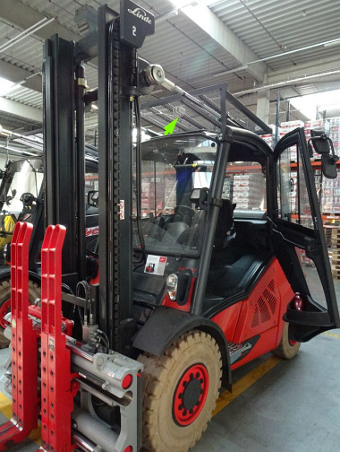Sewio RTLS tag placements at forklift Budvar.jpg