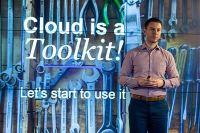 Obr. 2: Podle Lukáše Jelínka, Solutions Directora NTT, patří cloud mezi pět hlavních priorit firem v oblasti IT