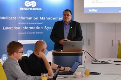 Obr. 1: Nové řešení DMS-IN.CLOUD při slavnostním uvedení osobně představil Jan Sedláček, předseda představenstva společnosti Digital Resources.