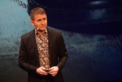 Obr. 5: Petr Schaffartzik, předseda představenstva skupiny K2, při úvodní přednášce konference K2 Luna.