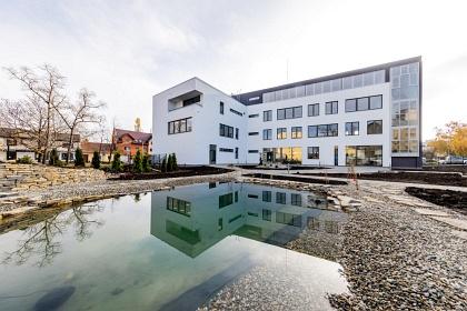 Nová provozní budova společnosti QI GROUP v Prostějově.