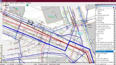 Obr. 2 Projektovaná vodovodní síť v kompletním modelu všech projektovaných a existujících sítí – celkem tato situace obsahuje 10–11 různých inženýrských sítí.